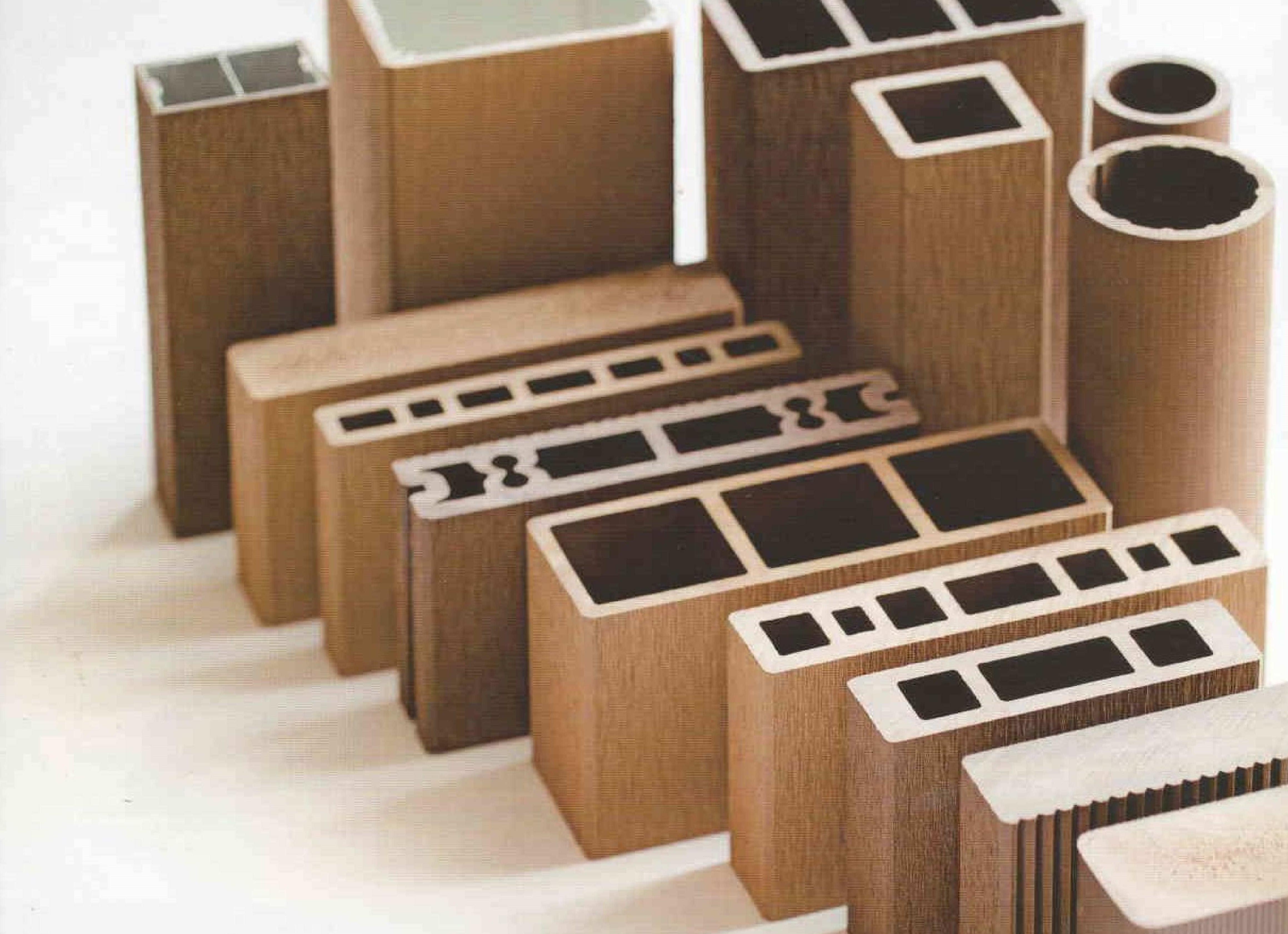 木材・プラスチック再生複合材 WPC